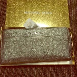 New metallic leather Michael Kors zip  wallet